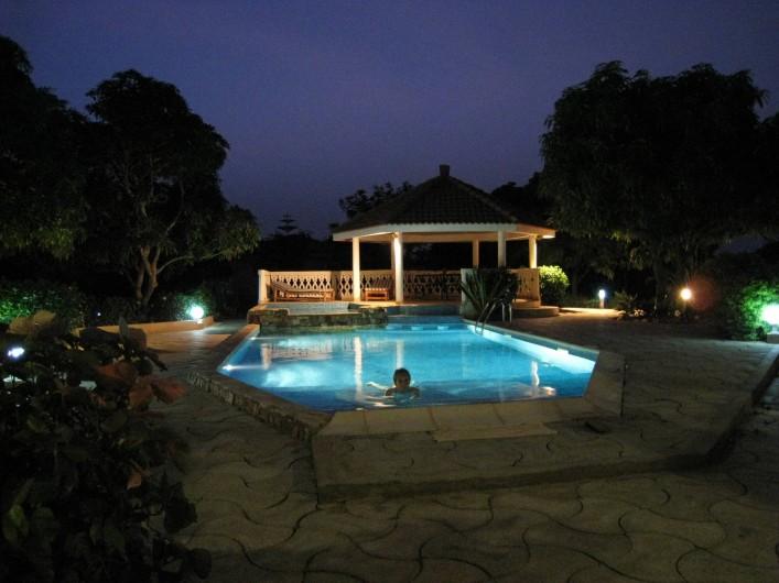 Location de vacances - Appartement à Somone - Vue de la piscine