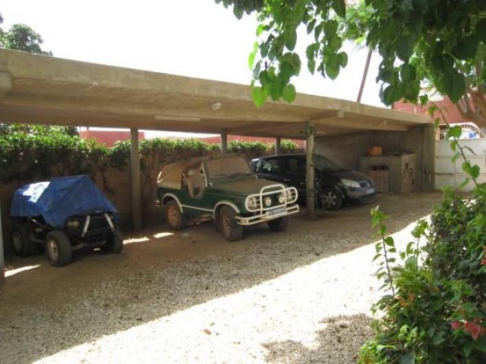 Location de vacances - Appartement à Somone - Parking