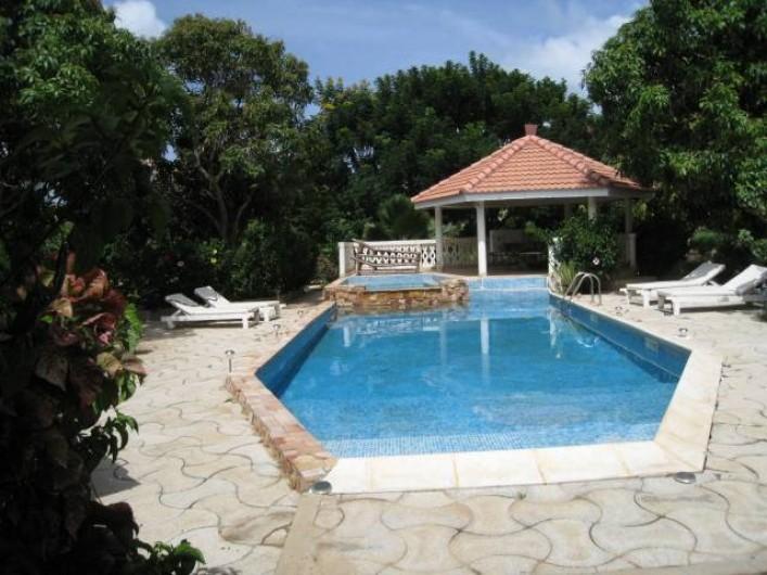Location de vacances - Appartement à Somone - Piscine
