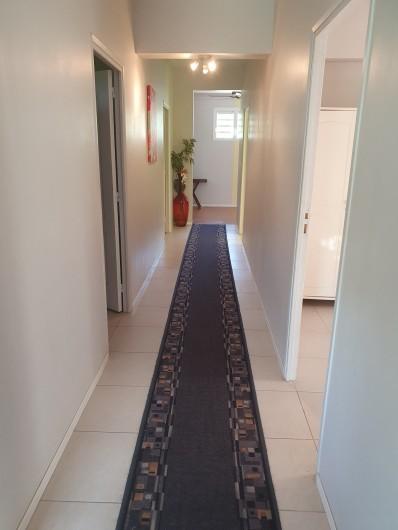 Location de vacances - Villa à Petit Bourg - COULOIR DES CHAMBRES
