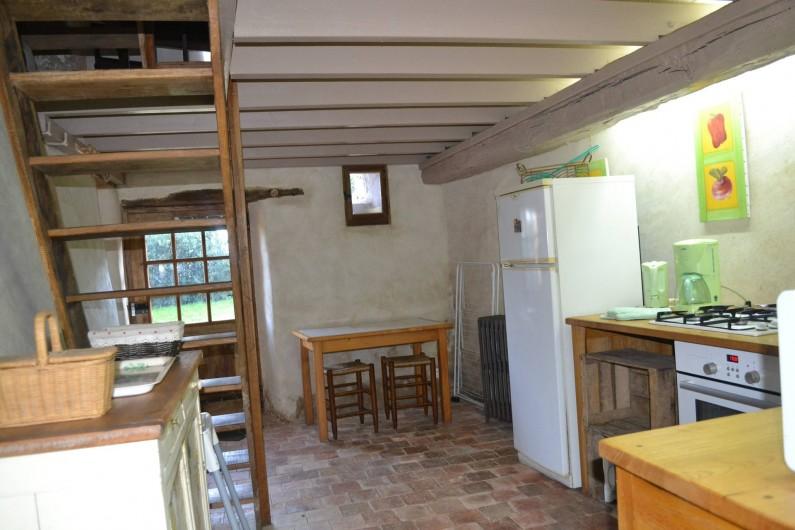 Location de vacances - Gîte à La Baconnière - Cuisine équipée (réfrigérateur, congélateur, four, 4 feux gaz)