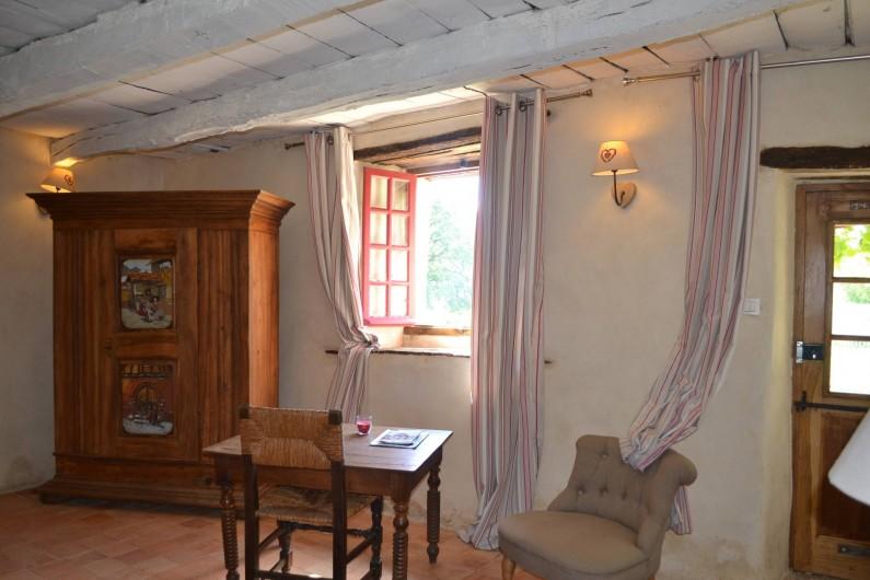 Location de vacances - Gîte à La Baconnière - Chambre avec salle de bains (douche) au rez de chaussée