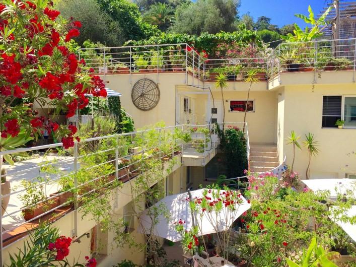 Location de vacances - Studio à Nice - vue generale de la VİLLA SUD