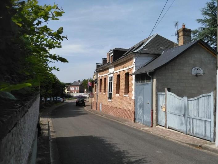 """Location de vacances - Gîte à Pont-Remy - Gîte 6/8 pers.   """"AUX 10 PONTS"""" Entrée parking DES FOURMIS"""