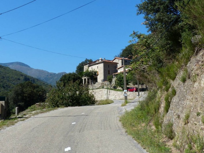 Location de vacances - Gîte à Notre-Dame-de-la-Rouvière - A l'arrivée au Mas
