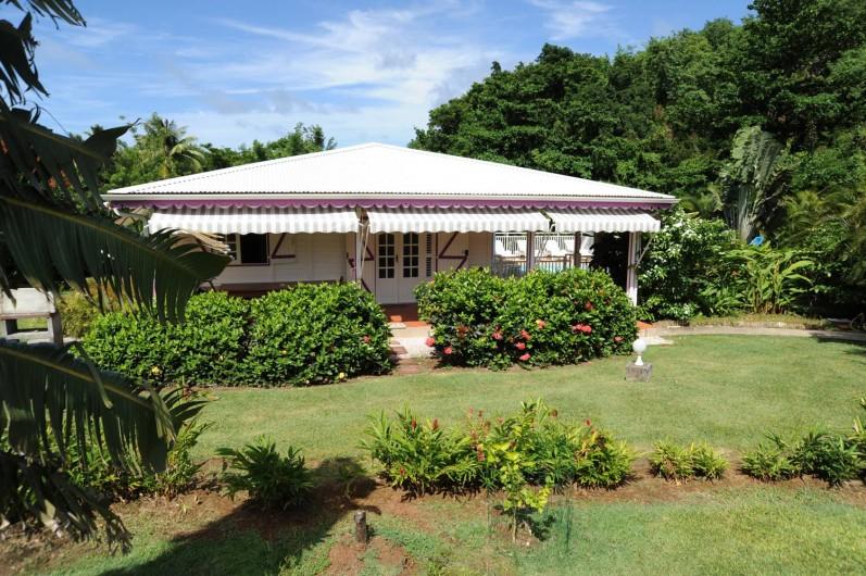 Location de vacances - Bungalow - Mobilhome à Le François - Villa F4 avec sa piscine privée.