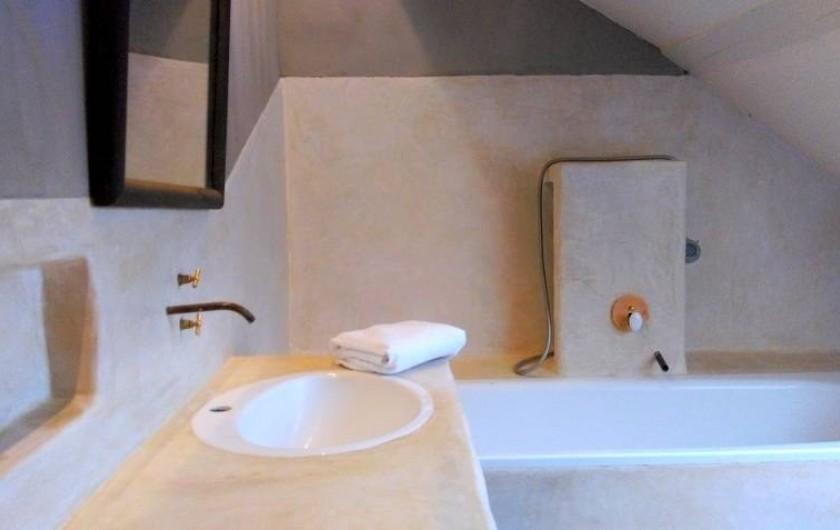 Location de vacances - Chalet à Chivres-Val - Salle de bain.  2eme étage
