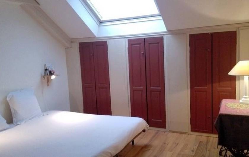 Location de vacances - Chalet à Chivres-Val - Chambre avec lit extra large .  2eme  étage