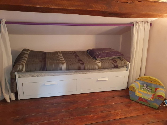 Location de vacances - Chambre d'hôtes à Vernet-la-Varenne - 3e lit à l'étage pour 1 personne adaptable en 2 personnes