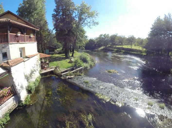 Location de vacances - Gîte à Lisle - Le moulin et le barrage