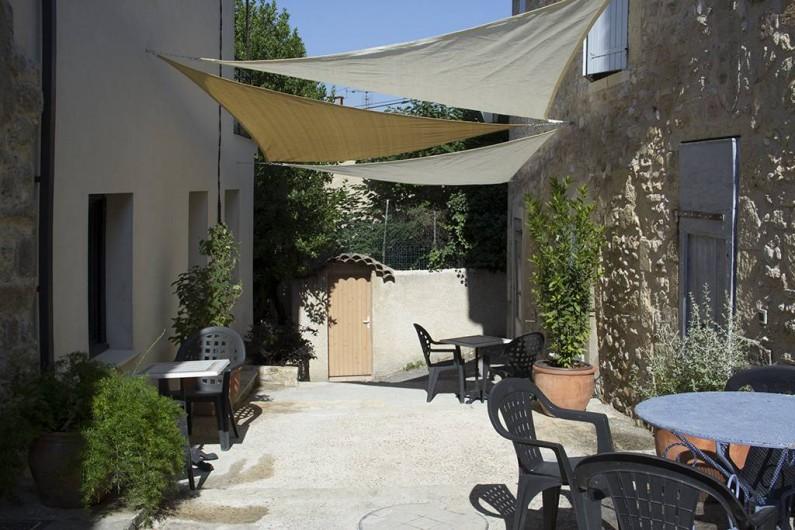 Location de vacances - Appartement à Robion - Voile d'ombrage