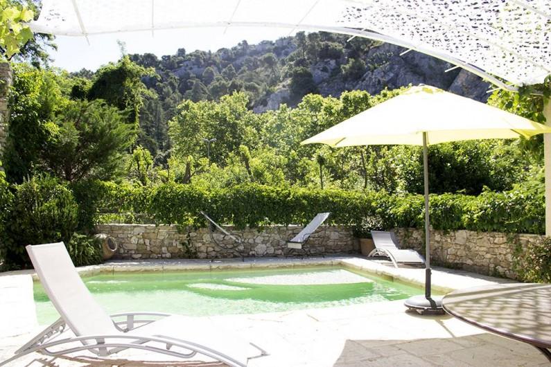 Location de vacances - Appartement à Robion - Piscine