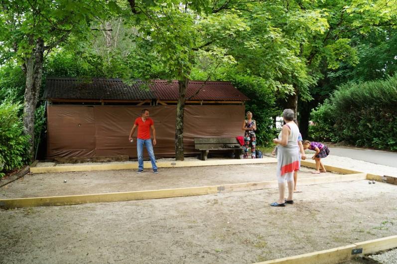 Location de vacances - Bungalow - Mobilhome à Chalezeule - Petite partie en famille