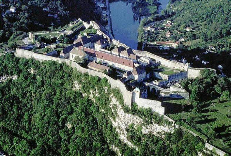 Location de vacances - Bungalow - Mobilhome à Chalezeule - La citadelle de BESANÇON classée à l'Unesco