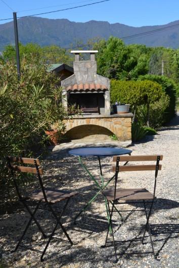 Location de vacances - Gîte à Les Assions - coin barbecue