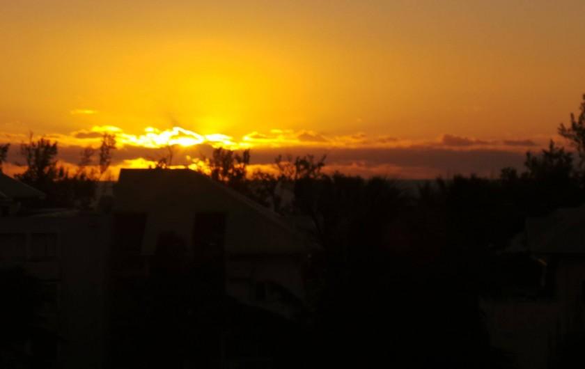 Location de vacances - Appartement à Saint-Paul - Un coucher de soleil coloré