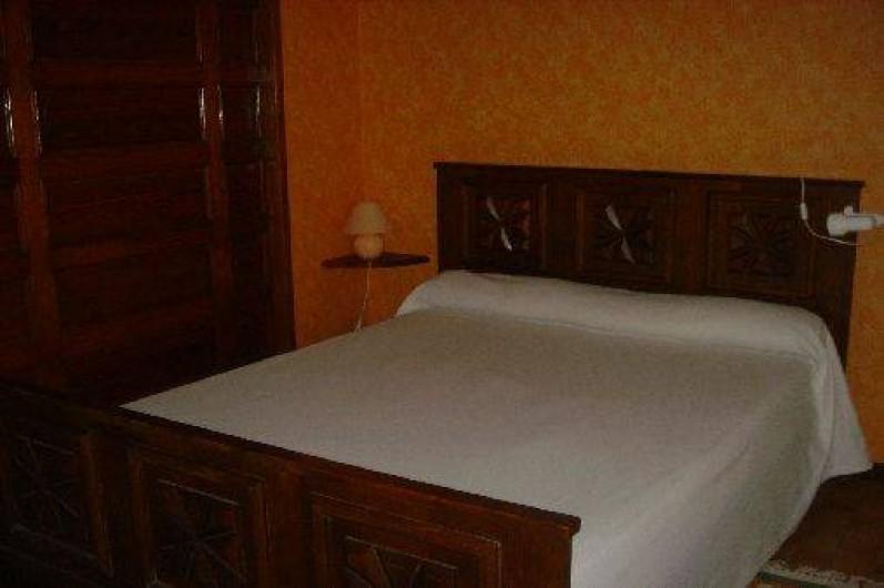 Location de vacances - Gîte à Ayzac-Ost - Séjour-chambre