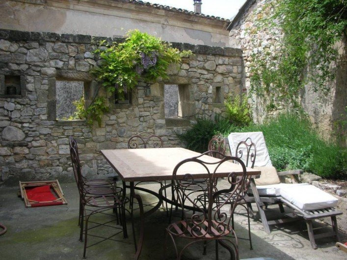 Location de vacances - Villa à Fontanes - grande terrasse privative, barbecue et lavandes