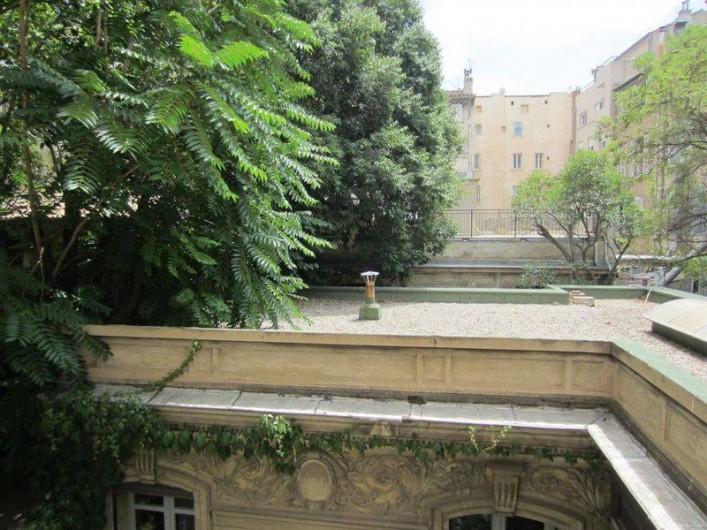 Location de vacances - Appartement à 6e Arrondissement - vue depuis la chambre 1