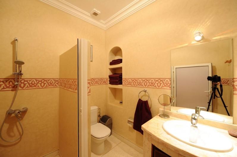 Location de vacances - Villa à Mirleft - La salle de douche.