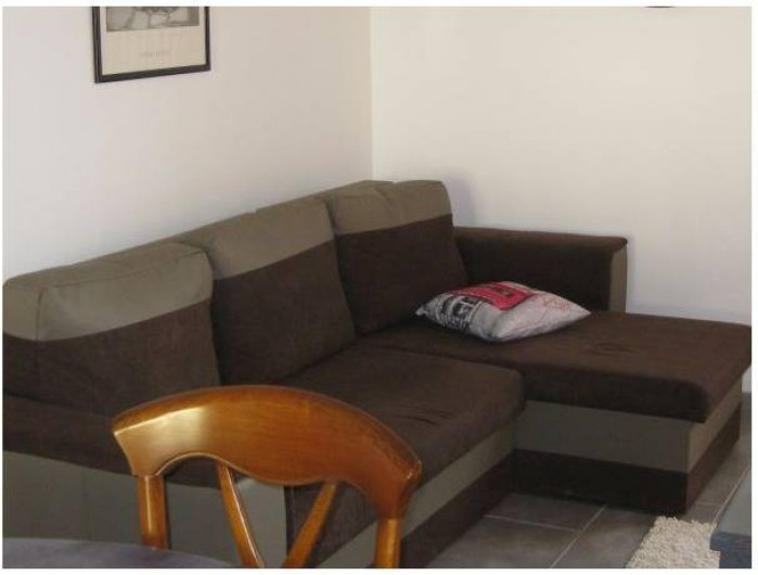 Location de vacances - Gîte à Brailly-Cornehotte - coin salon : canape d'angle convertible