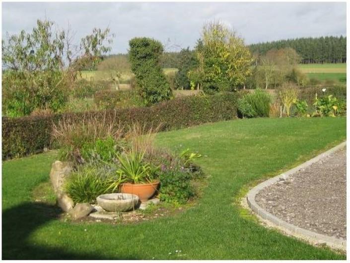 Location de vacances - Gîte à Brailly-Cornehotte - vue jardin