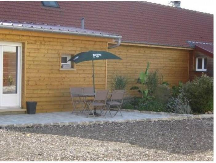 Location de vacances - Gîte à Brailly-Cornehotte - façade arriere du gite cote jardin