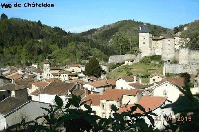 Location de vacances - Gîte à Châteldon - Vue sur Châteldon