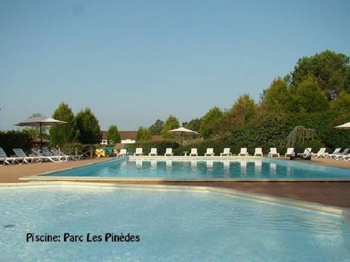 Location de vacances - Villa à Brossac - Piscine