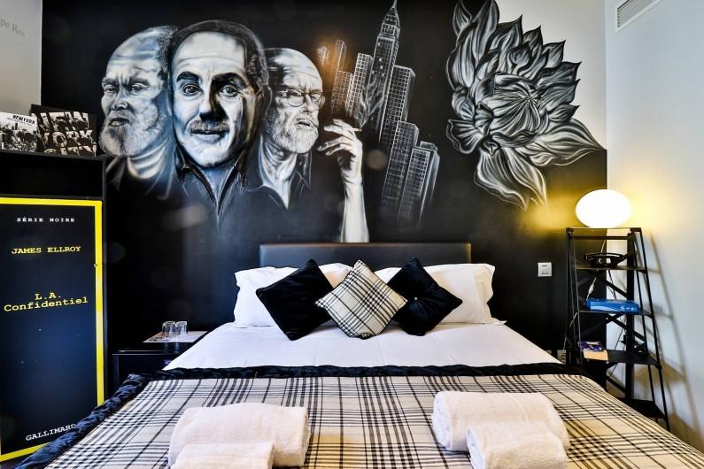 Location de vacances - Hôtel - Auberge à Cannes - Chambre Le dalhia noir