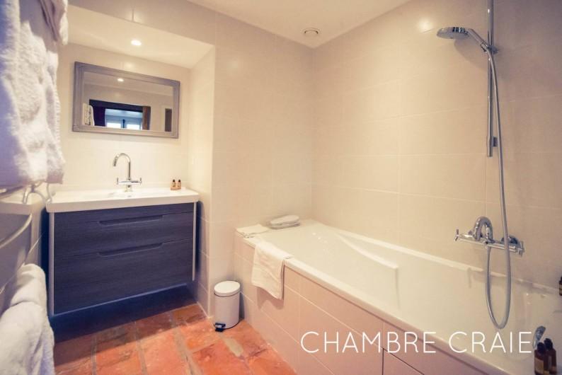 Location de vacances - Chambre d'hôtes à Sainte-Maure - Salle de bain chambre Craie