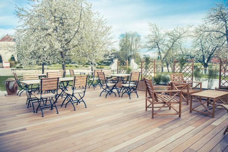 Location de vacances - Chambre d'hôtes à Sainte-Maure - terrasse des chambres