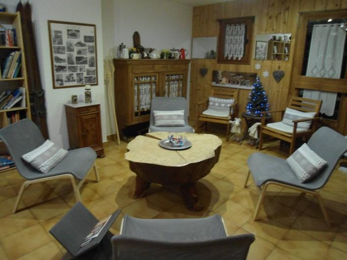 Location de vacances - Chalet à Cohennoz - COIN SALON / BIBLIOTHEQUE