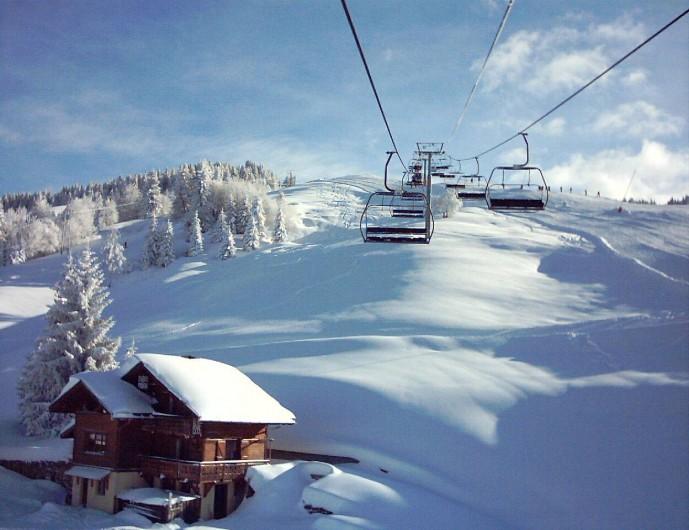 Location de vacances - Chalet à Cohennoz - TELESIEGE ET PISTES JUSTE A COTE DU CHALET