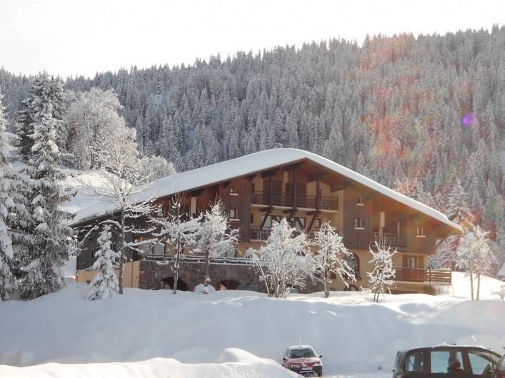 Location de vacances - Chalet à Cohennoz - CHALET LA CROIX DES AMBAILLES EN HIVER...