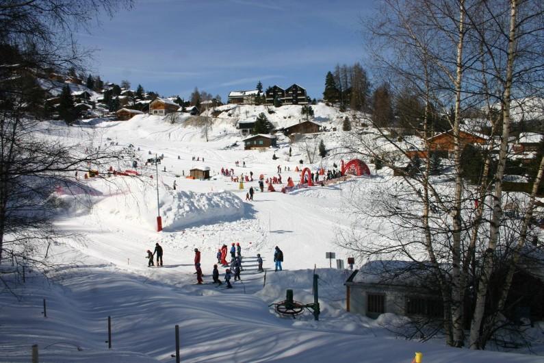 """Location de vacances - Appartement à Vercorin - Jardin des Neiges du """"Creux du Lavioz"""" - avec cours de ski et jeux"""