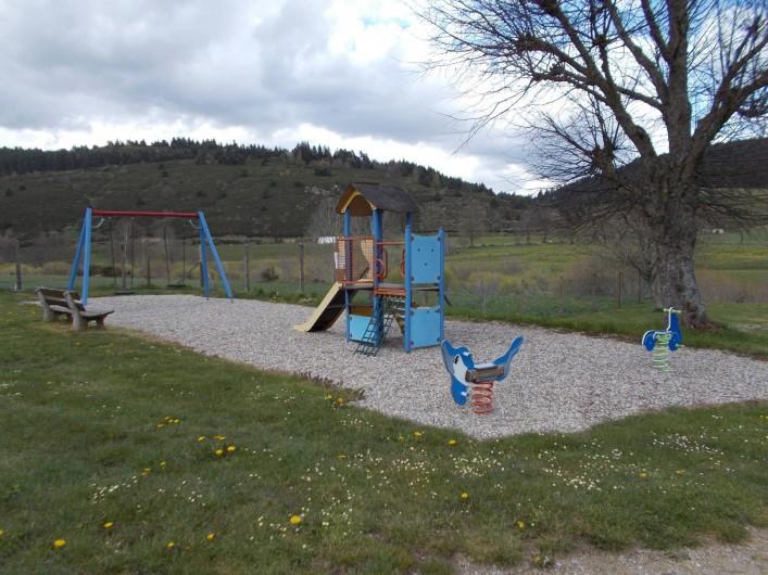 Location de vacances - Camping à Langogne - Aire de jeux pour les enfants