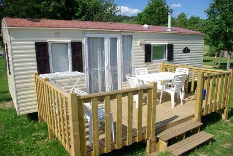 Location de vacances - Camping à Langogne - Location de mobil-home de 1 à 3 chambres, de 2 à 8 personnes
