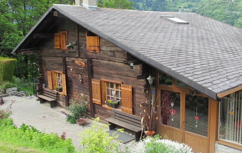 Location de vacances - Chalet à Bruson - chalet l'été