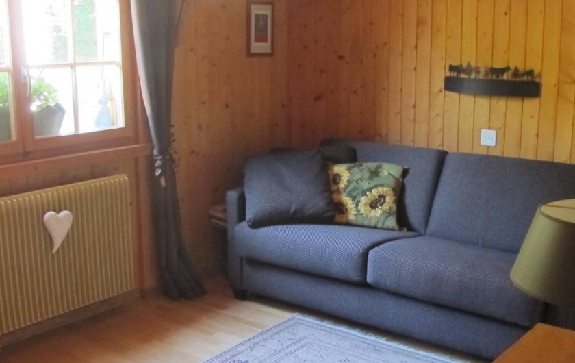 Location de vacances - Chalet à Bruson - chambre à coucher ( canapé lit double