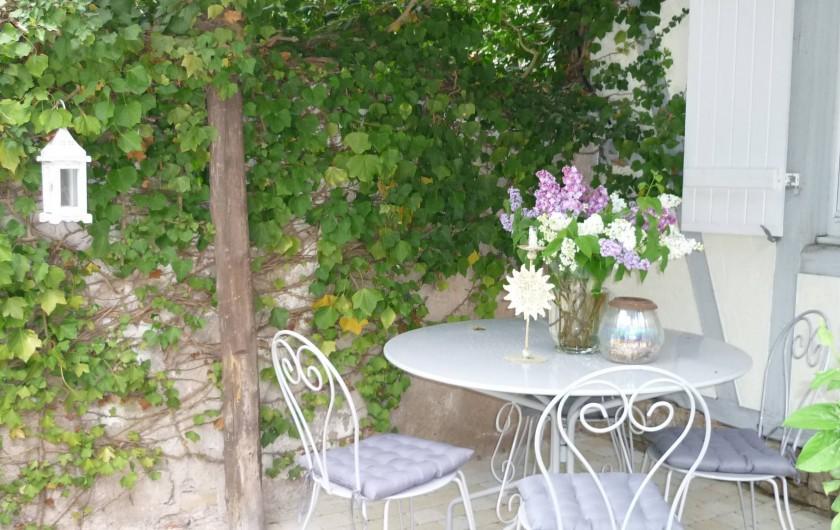"""Location de vacances - Chambre d'hôtes à Kuttolsheim - salon jardin """"etoile"""""""