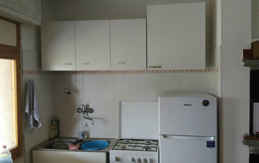 Location de vacances - Chalet à Guspini - L'espace cuisine du cabanon