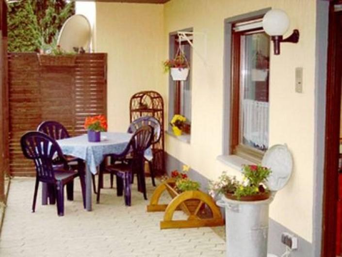 Location de vacances - Gîte à Allendorf - Terrasse et entree