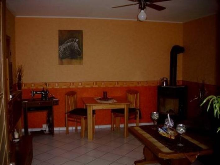 Location de vacances - Gîte à Allendorf - Salon avec poil aux bois