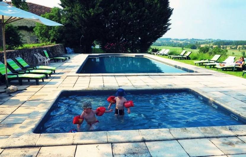 Location de vacances - Gîte à Villeréal - Pataugeoire de 3 x 3 m pour les plus jeunes
