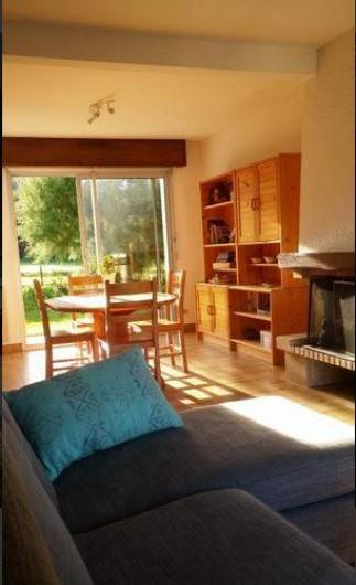 Location de vacances - Maison - Villa à Erquy - Salle à manger (avec vue campagne et colline)