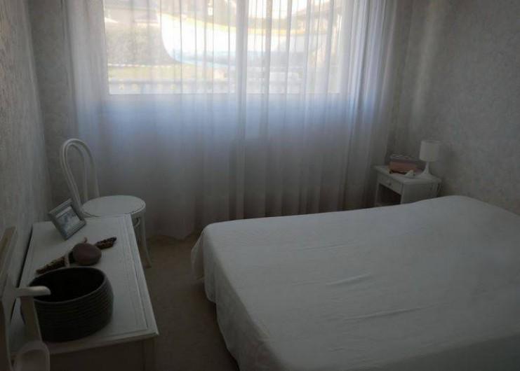Location de vacances - Maison - Villa à Erquy - Chambre bas  (1 lit double 140)