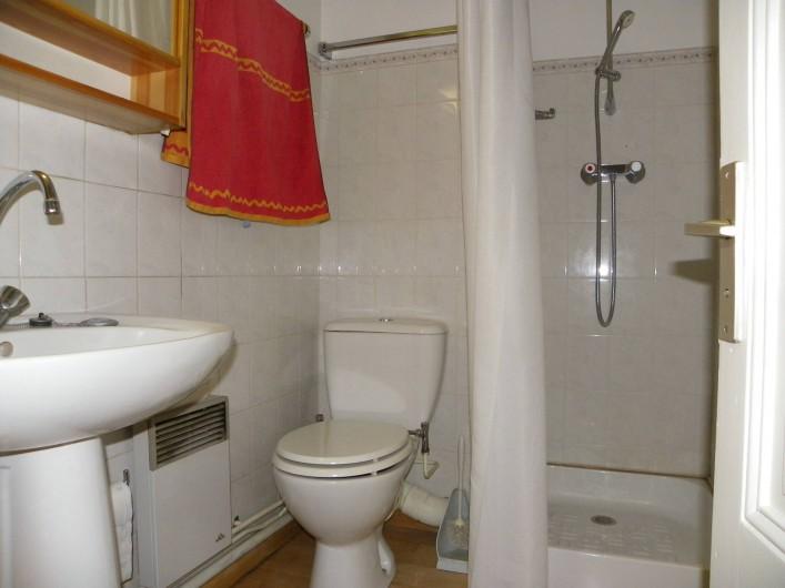 Location de vacances - Appartement à Chamonix-Mont-Blanc - dalle d'eau