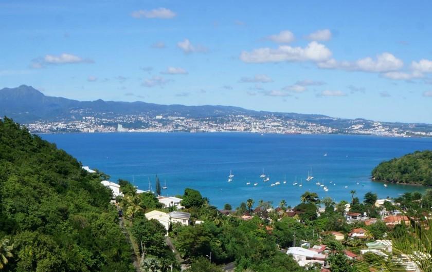 Location de vacances - Appartement à Les Trois-Îlets - Villa Ansalane - Vue sur la Baie de Fort-de-France