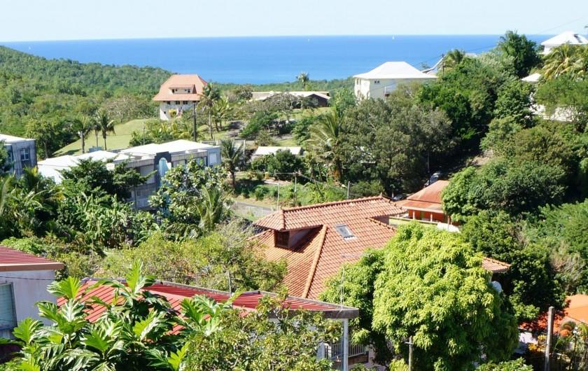 Location de vacances - Appartement à Les Trois-Îlets - Villa Ansalane - Vue identique de chaque terrasse sur la Mer des Caraïbes